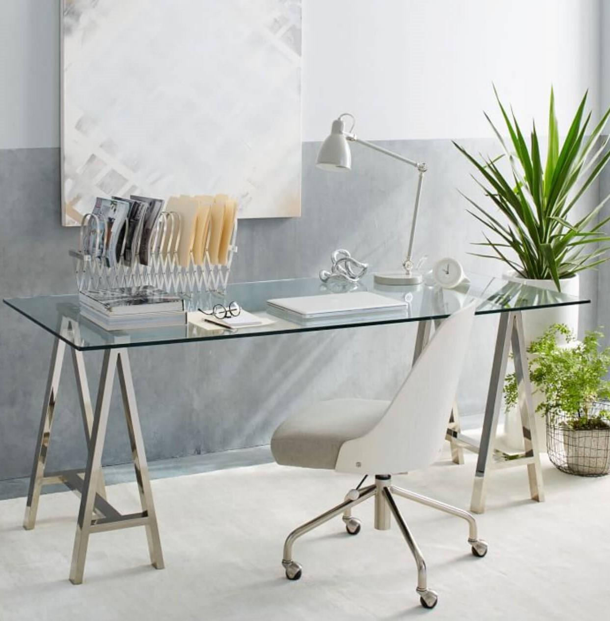 Idées de bureau: les dossiers et les organisateurs de bureau sont d'excellentes solutions pour un look plus net.