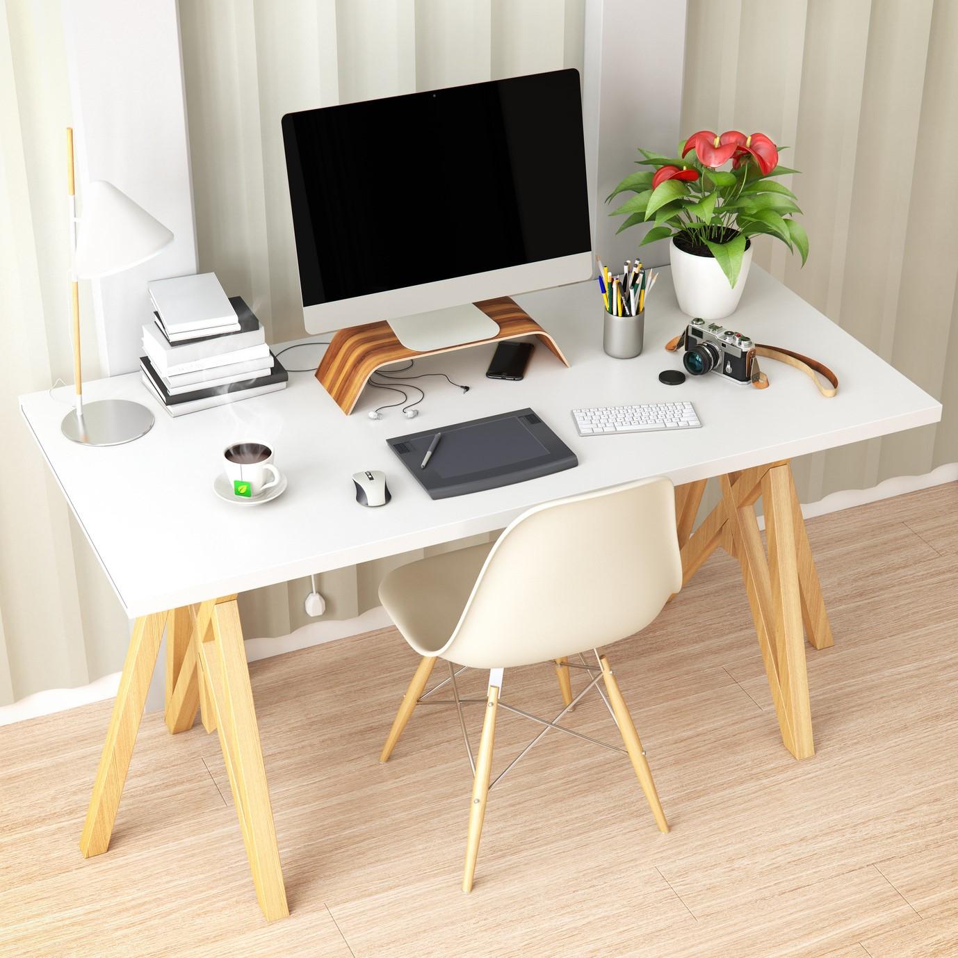 De cette façon, vous commencerez votre journée de travail avec un bureau organisé.
