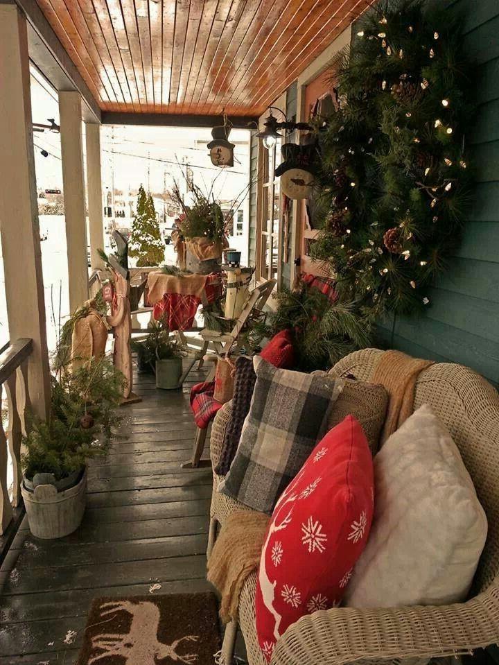 Décoration de Noël en plein air rustique.