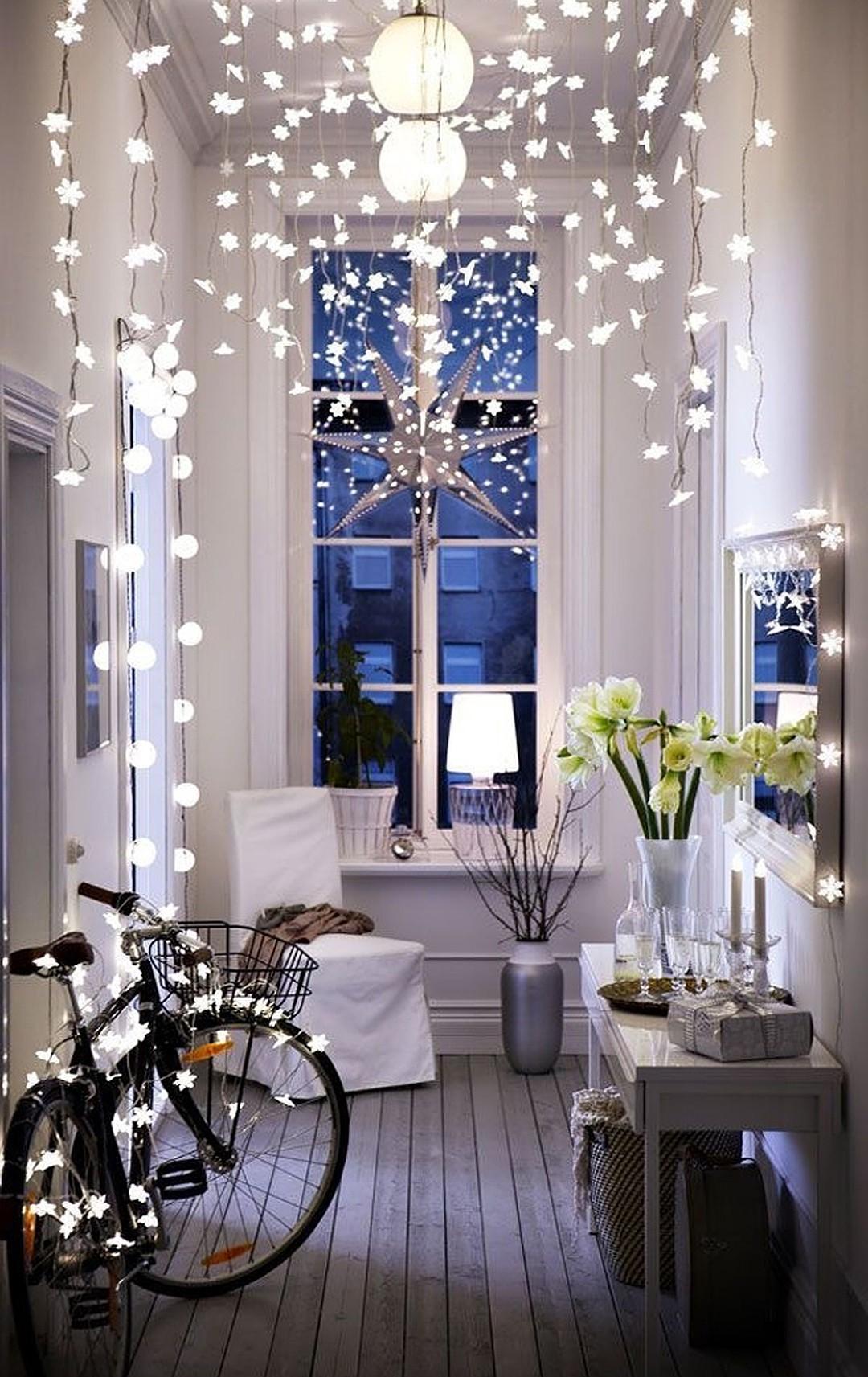 Décorez l'entrée pour une atmosphère encore plus festive.