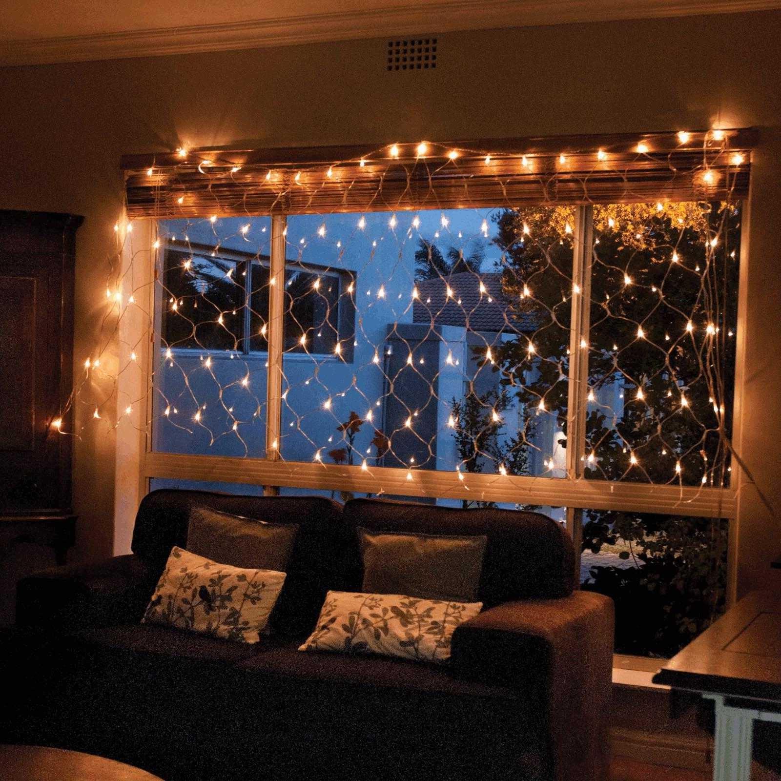 Rideau de lumières de Noël pour votre salon.
