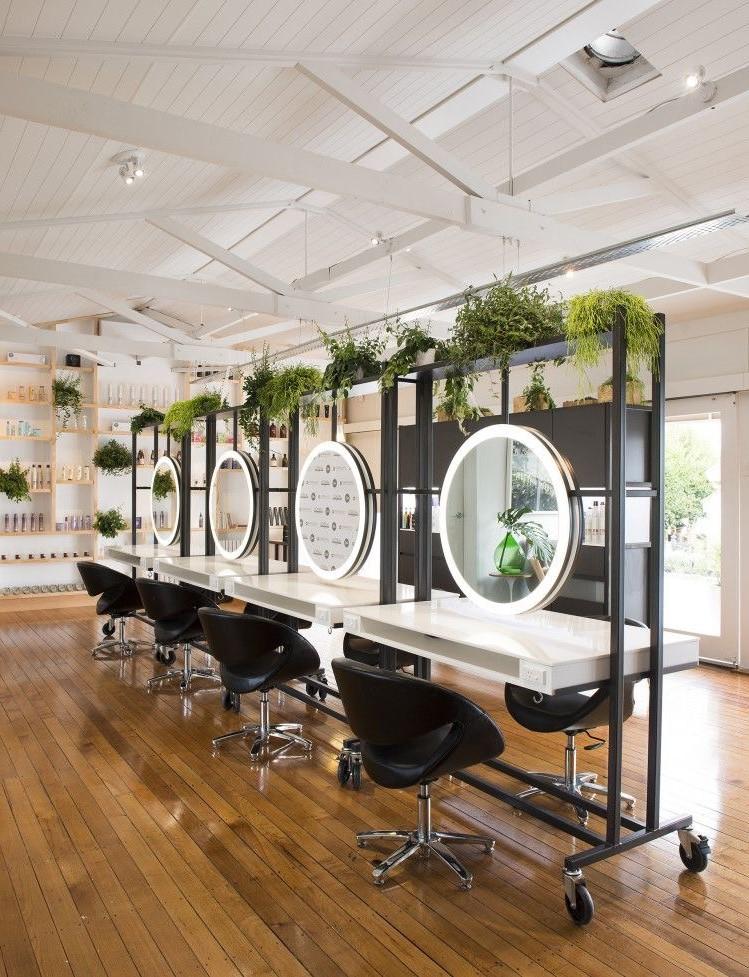 Les miroirs simples donneront à chaque endroit une sensation plus intime.