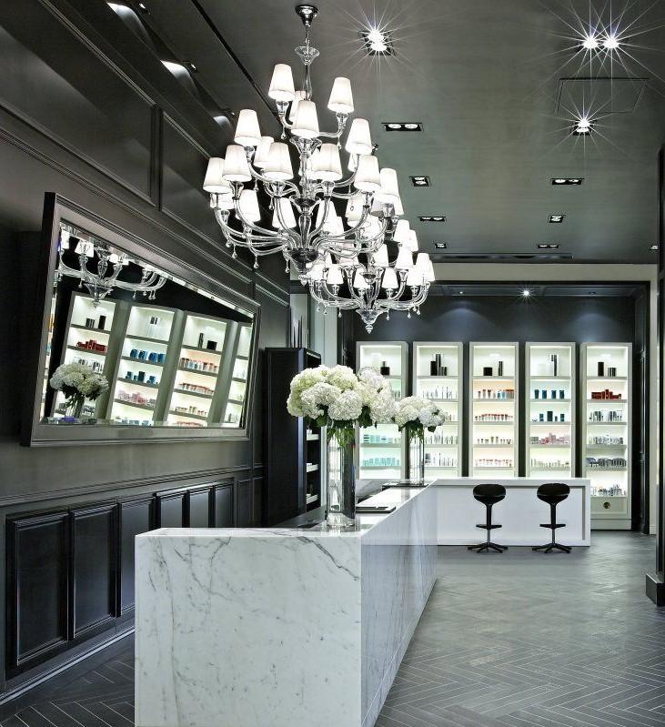 De la disposition du mobilier coiffure aux couleurs sur les murs, en passant par la façon dont vous présentez vos produits, chaque détail devient une partie de votre marque.