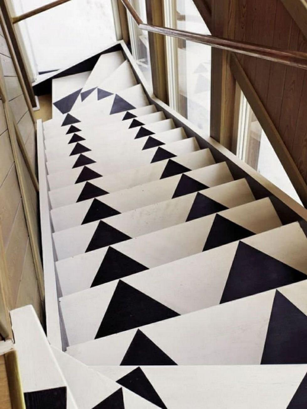 Transformez votre escalier avec un pochoir - vous allez adorer les résultats.