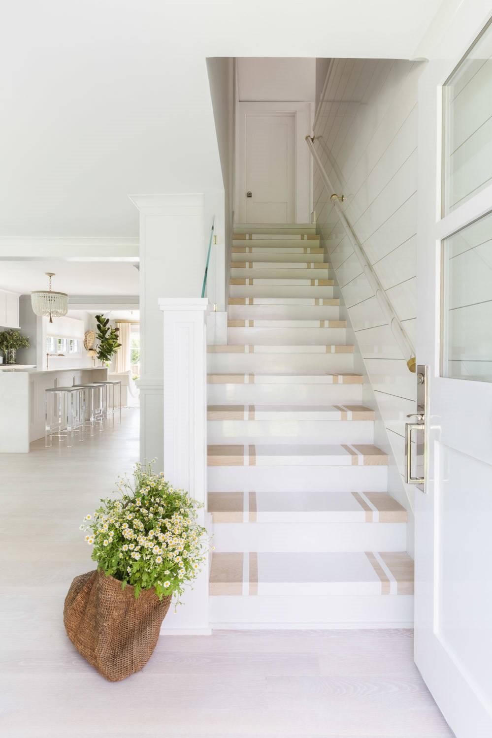 Les escaliers gèrent généralement une circulation piétonnière intense.