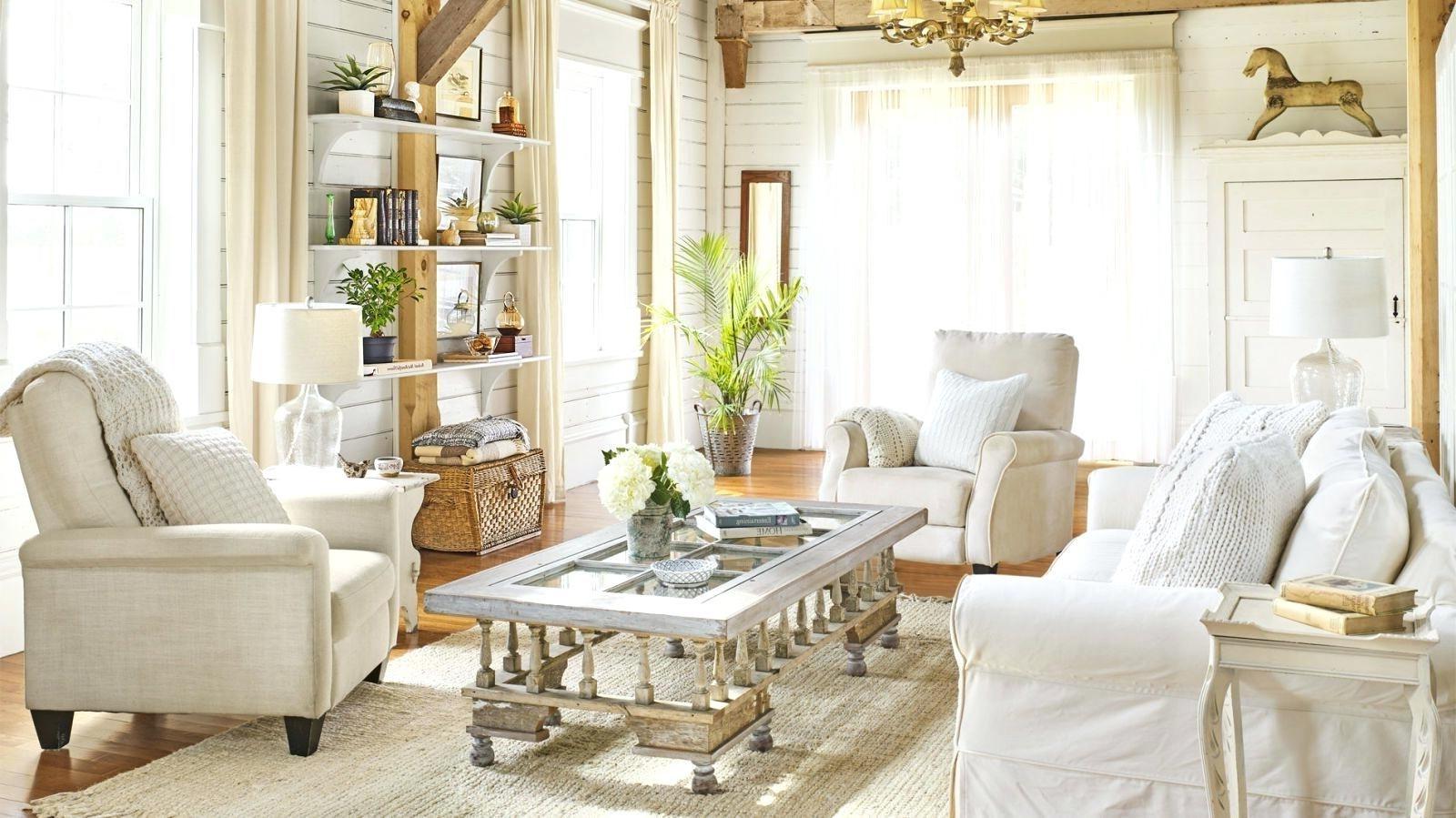 L'ajout de photos de famille rend votre salon plus personnel.