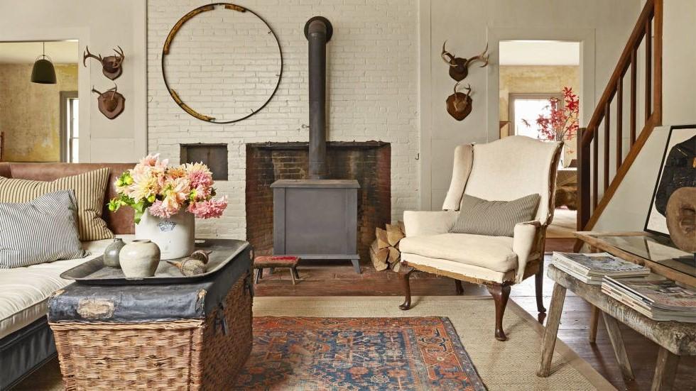 Il n'ya rien de mieux que d'ajouter des photos de famille pour rendre votre salon chaleureux et accueillant.