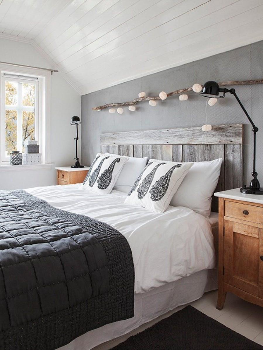 Faites correspondre la tête de lit au reste de l'intérieur de la pièce.