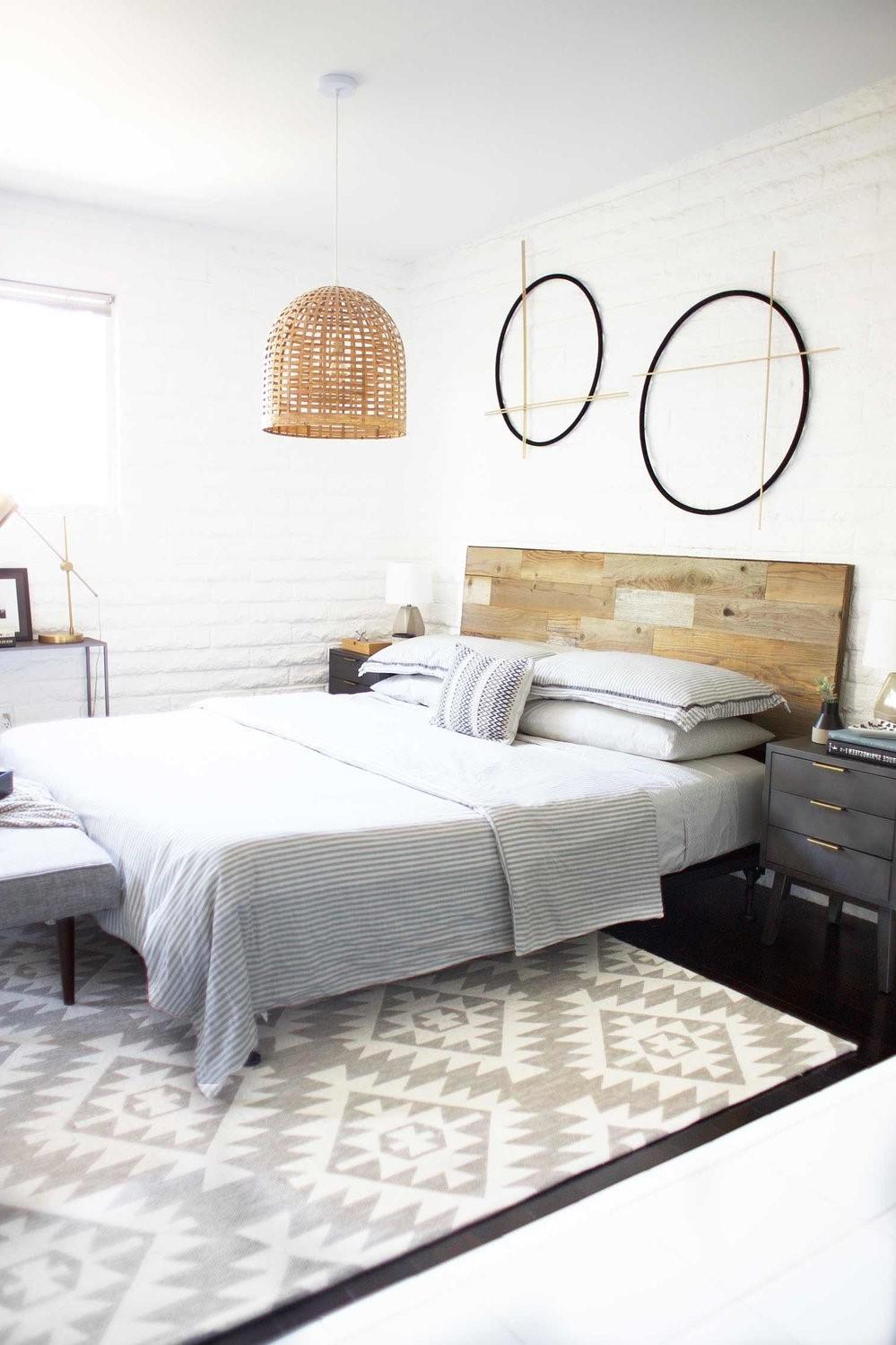 Tête de lit moderne en palette.