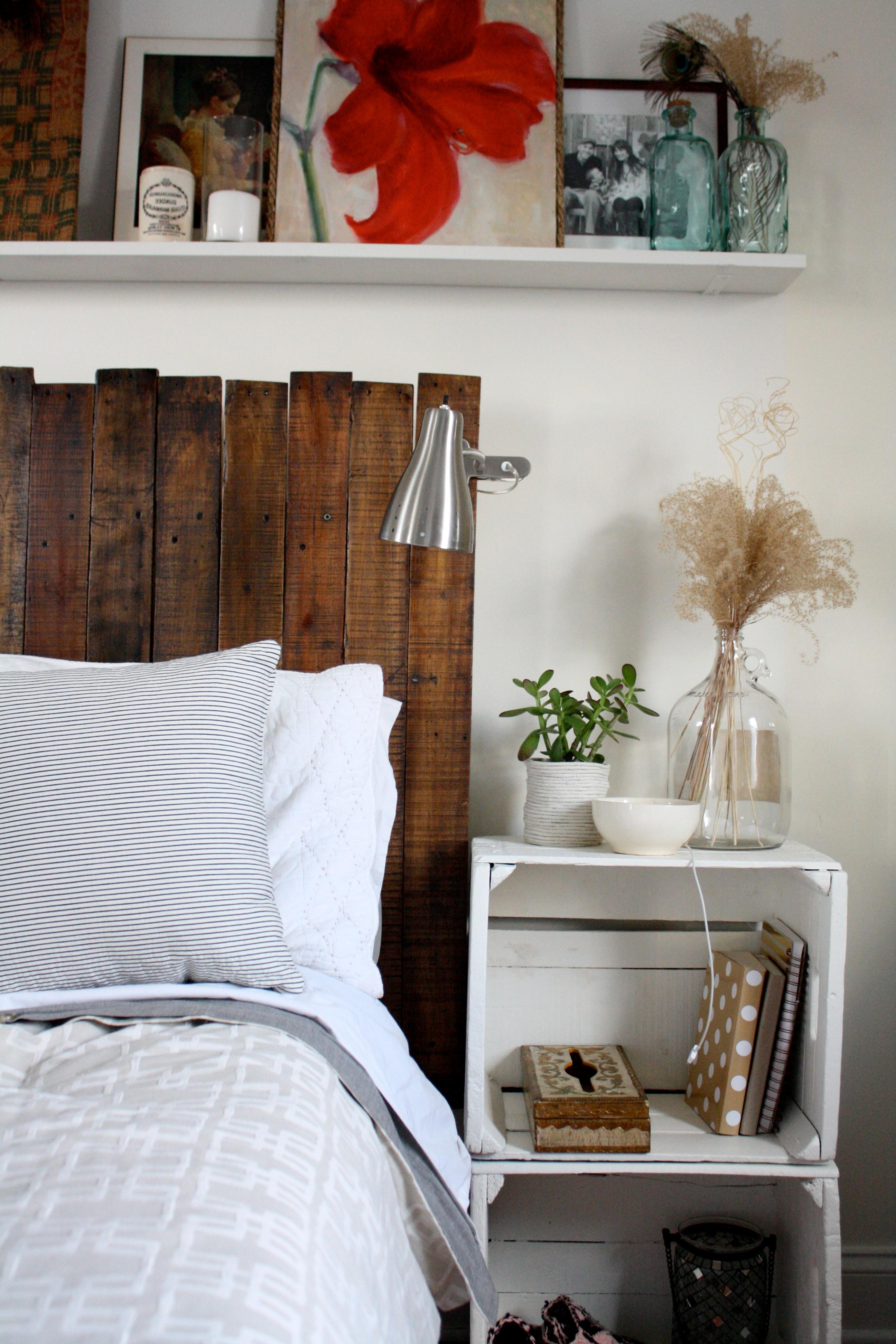 Tête de lit en palette DIY.