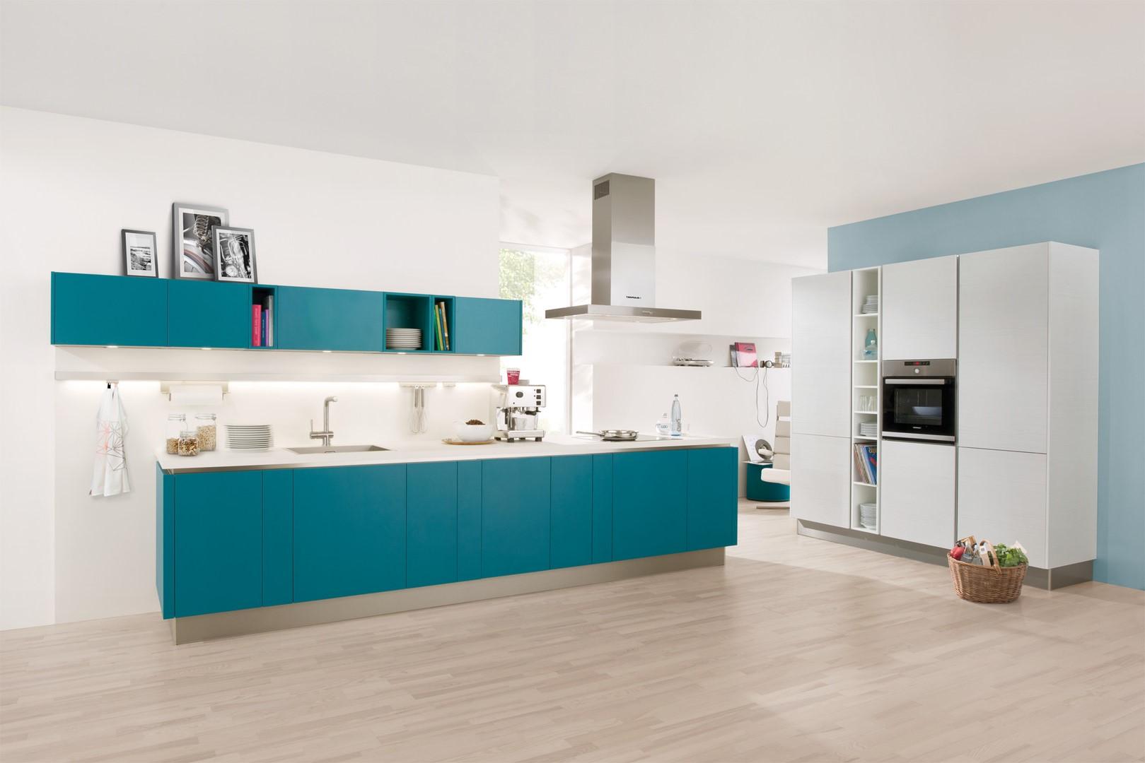 La combinaison de deux nuances de bleu crée une atmosphère apaisante.