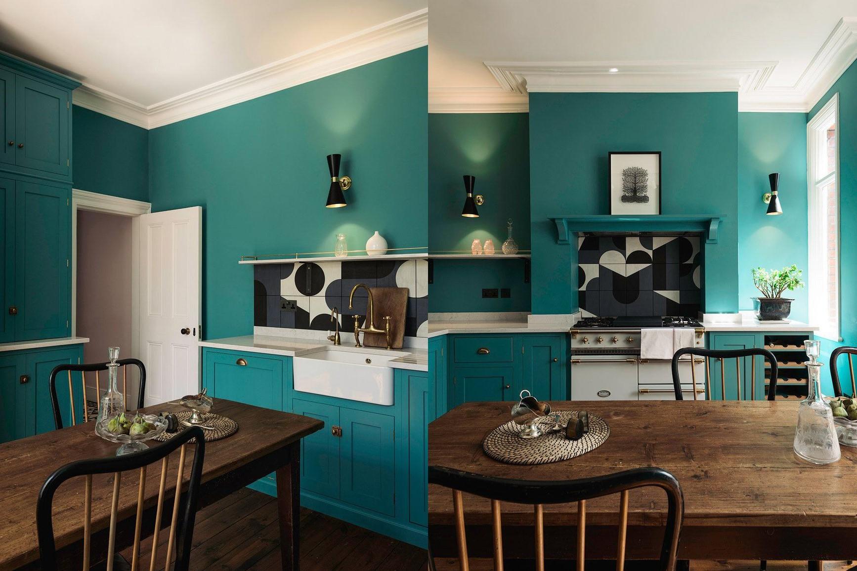 Peinture murale bleu canard pour votre cuisine.