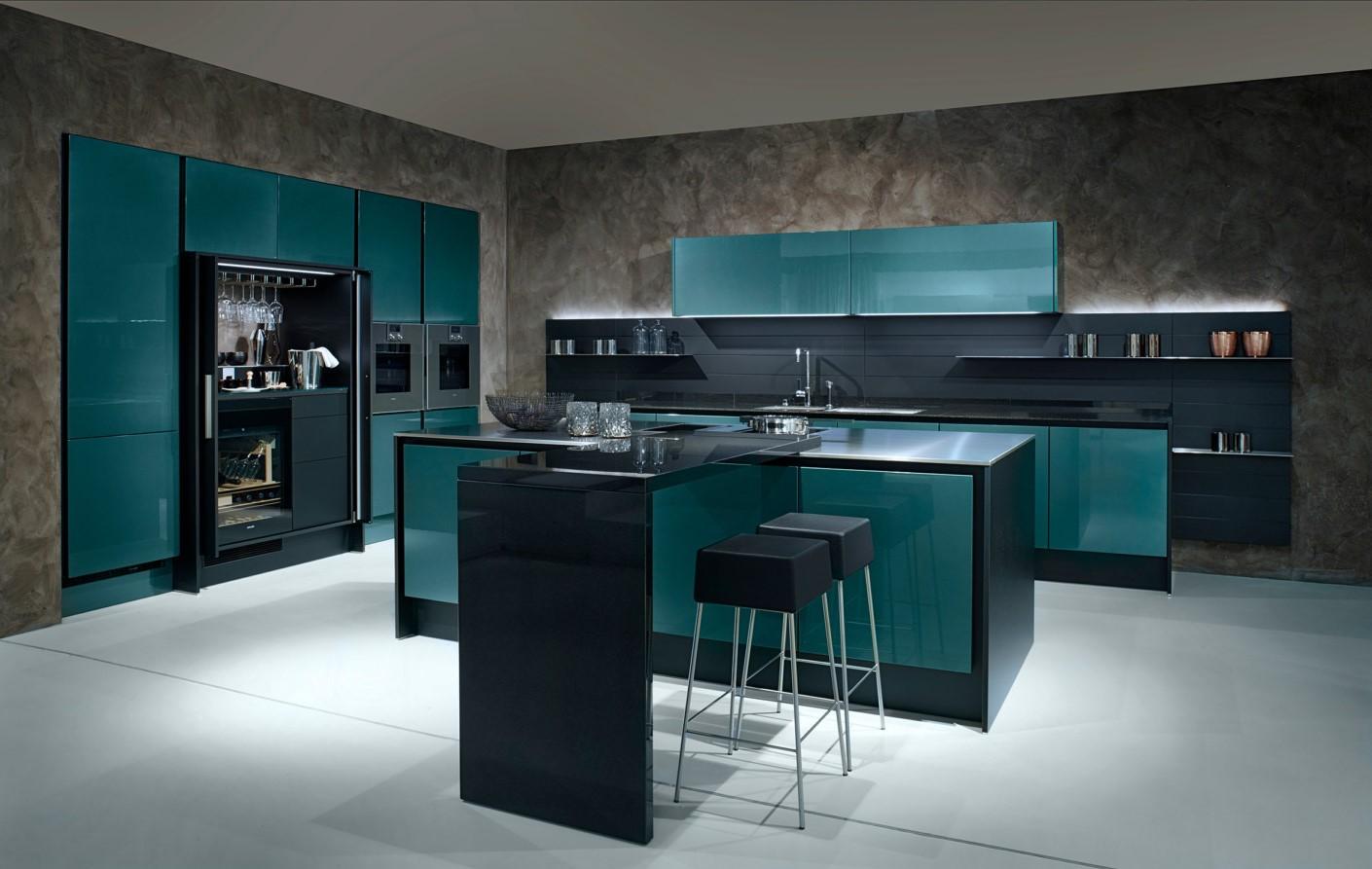 Accents bleu canard pour votre cuisine.