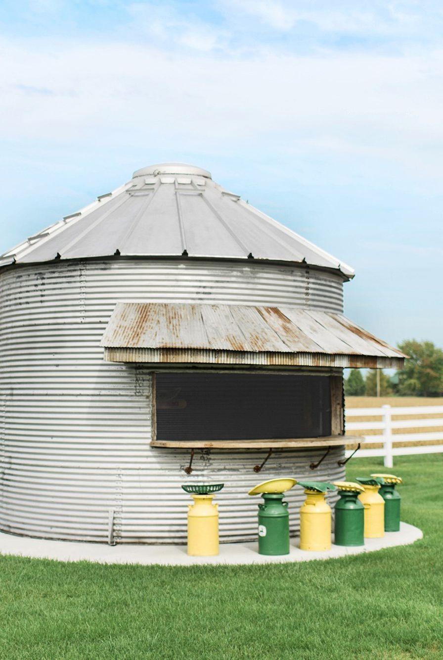 Transformer un silo à grains.