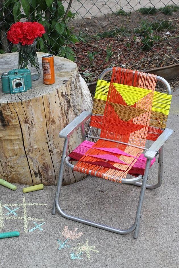 Donnez à une vieille chaise une transformation colorée.