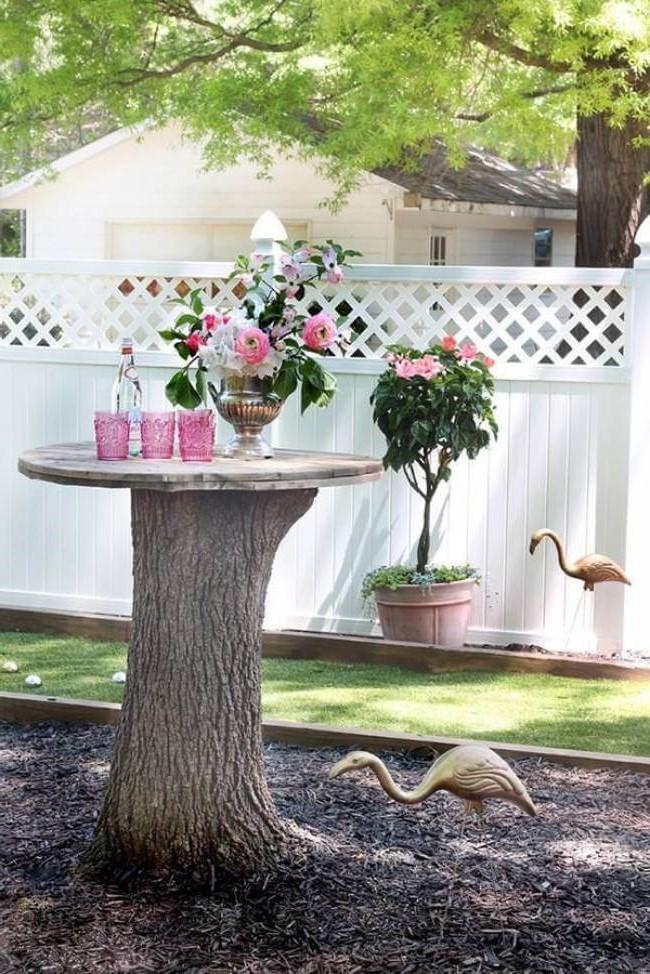 Profitez des souches d'arbres et transformez-les en quelque chose de beau.