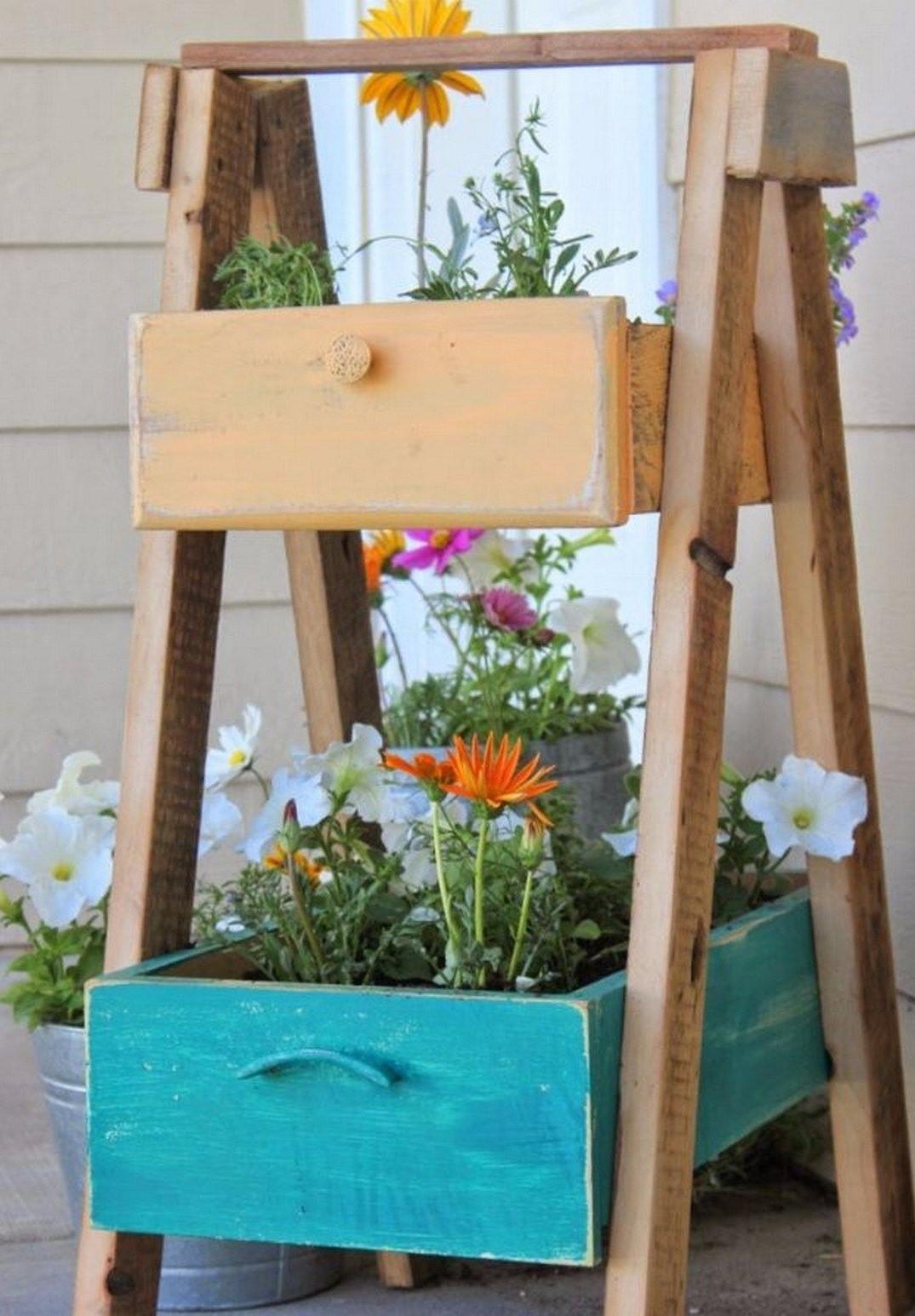 Les vieux tiroirs donnent à vos plantes préférées toute l'attention qu'elles méritent.