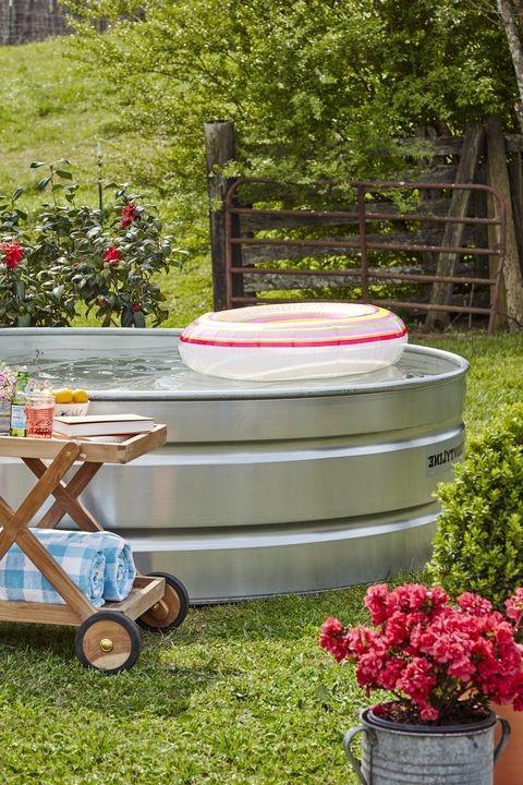 Bricolage pour jardin: réservoir de stockage sous forme de piscine.