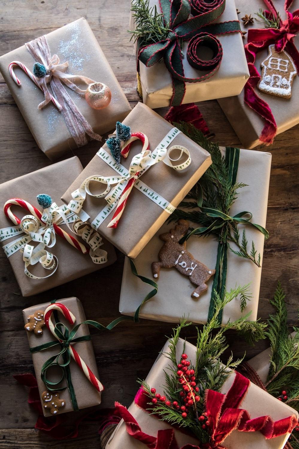 Comment faire un paquet cadeau original? Utilisez votre imagination!
