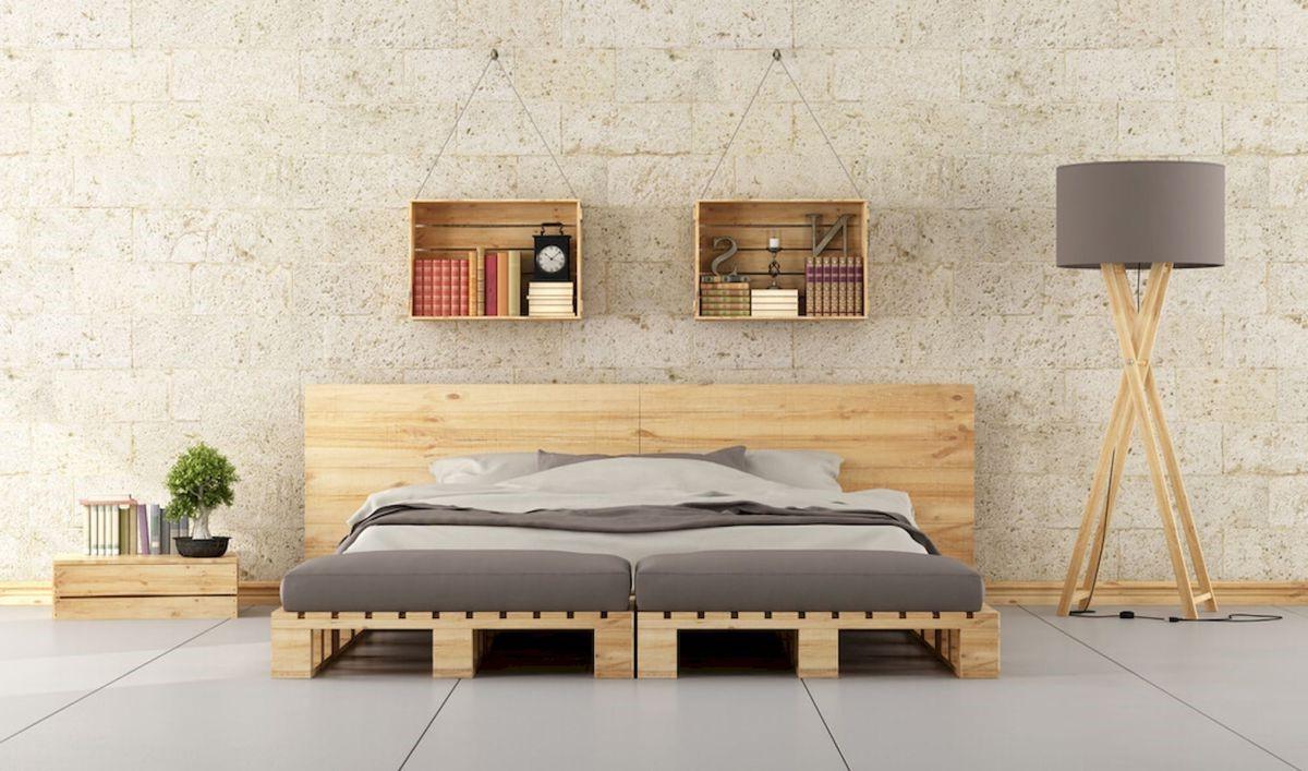 Déco en palette: lit et étagères faciles.