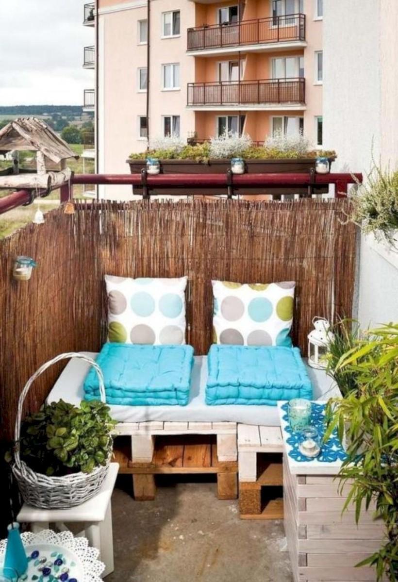 Canapé pour votre balcon.