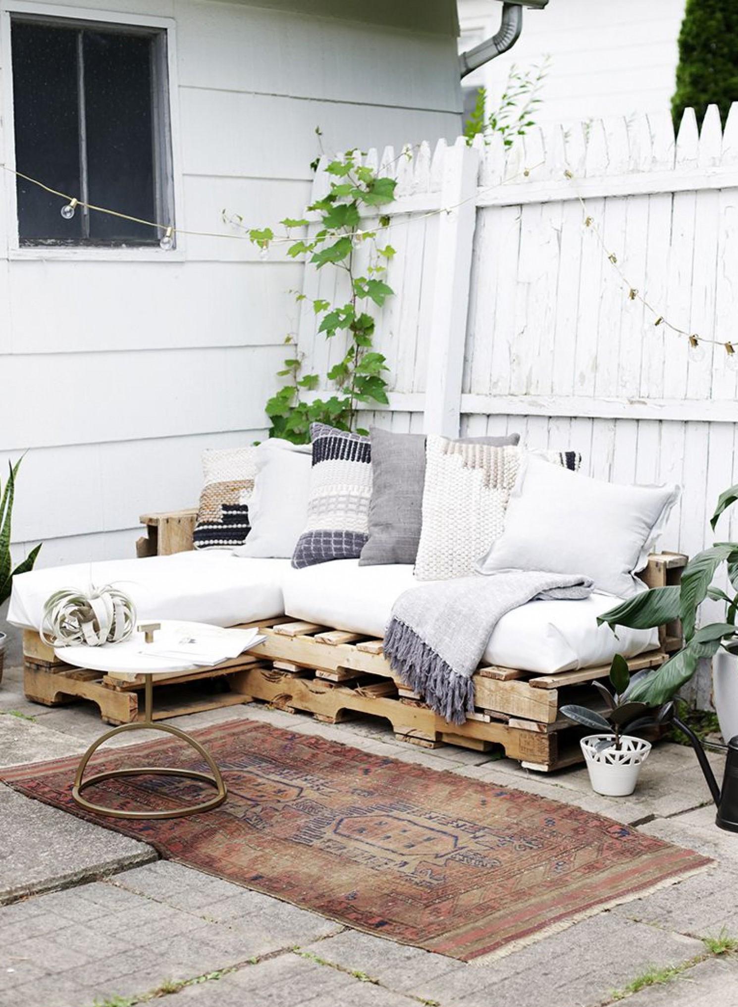 Projet bricolage facile - canapé pour votre jardin.