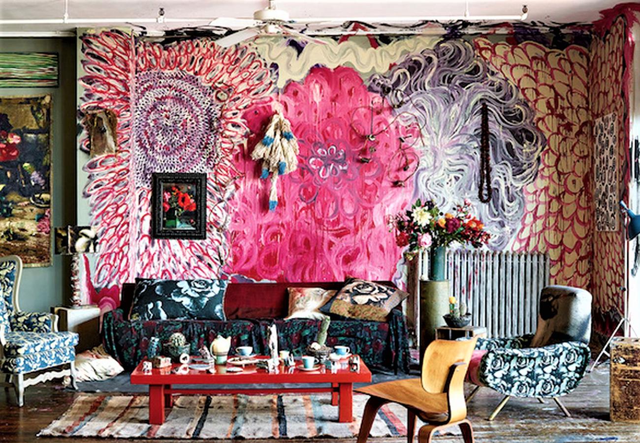 Si vous vous sentez courageux, choisissez un papier peint excentrique dans une petite pièce.