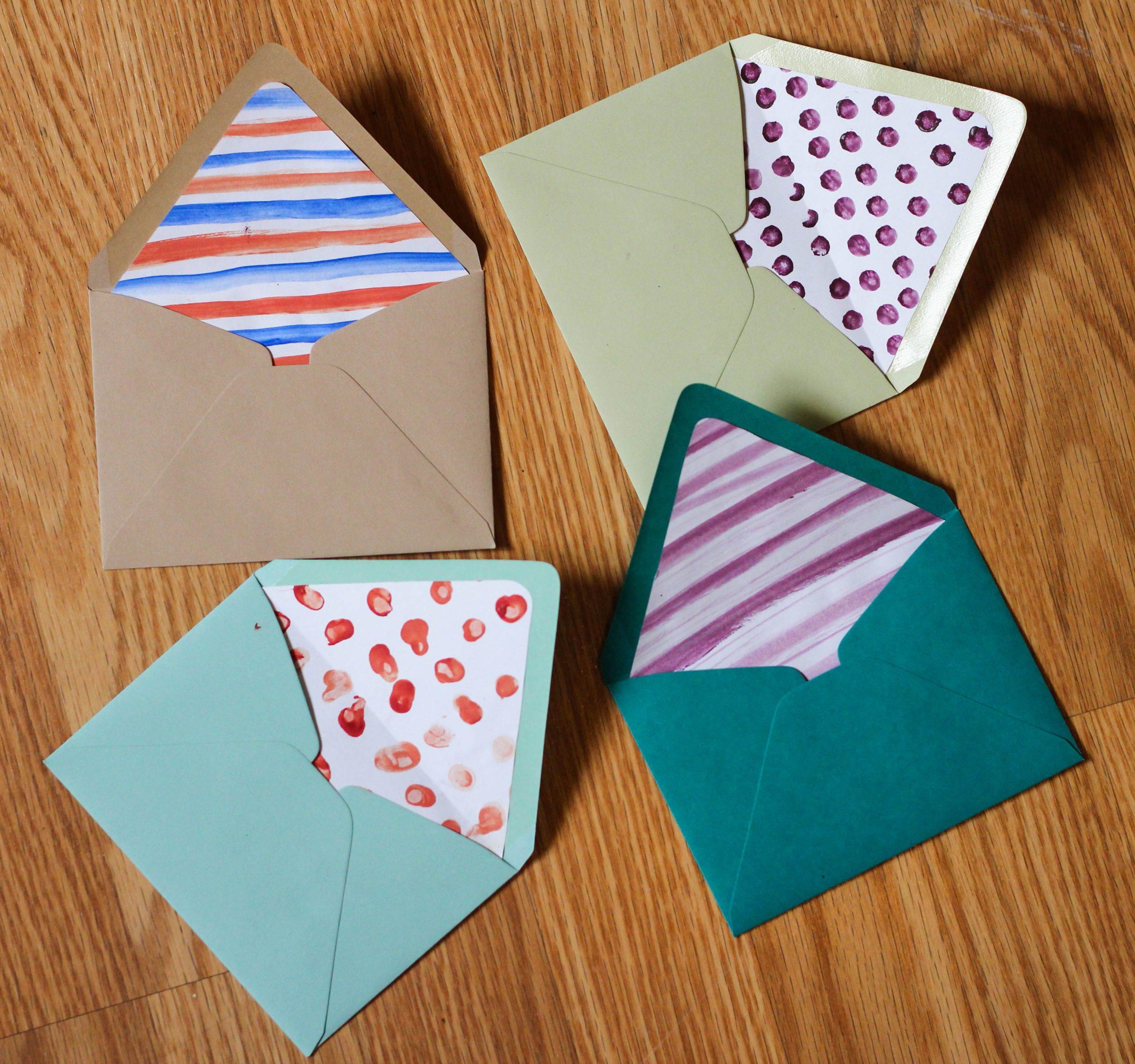 Enveloppe DIY colorée.