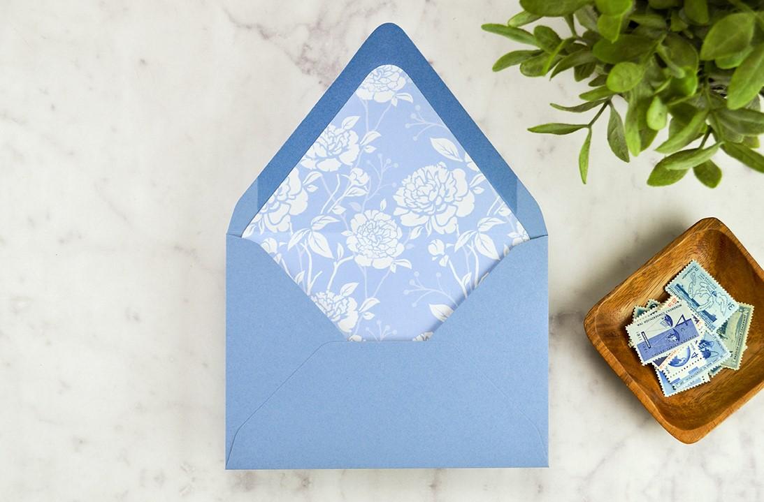 Enveloppe DIY bleue.