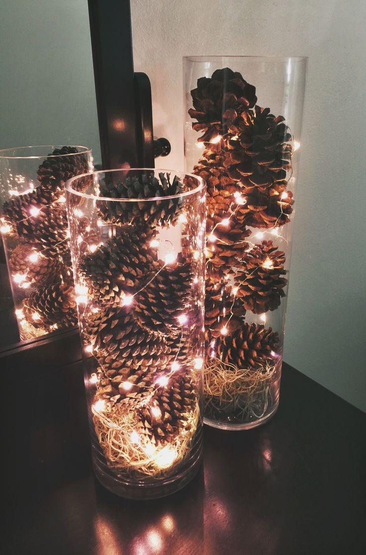 Déco de Noël GiFi: décoration lumineuse pommes de pin LED.