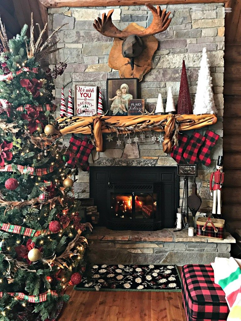 Chaussettes de Noël à carreaux.