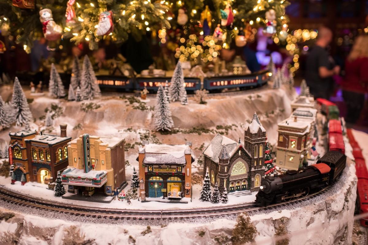 Village et traîneau de Noël.
