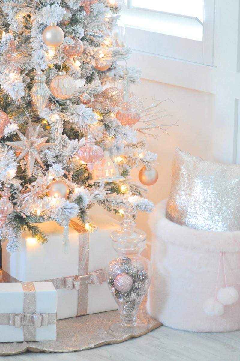 Déco de Noël GiFi: boules de Noël.