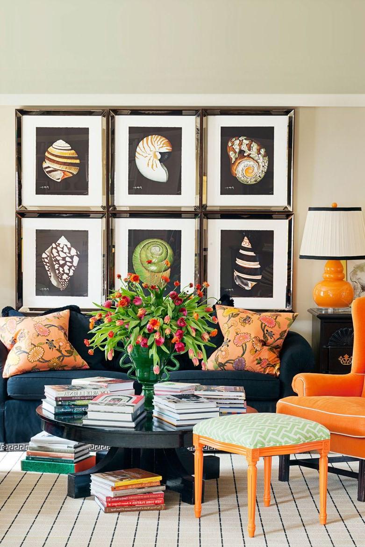 Idée de décoration de salon: Créez une galerie murale.