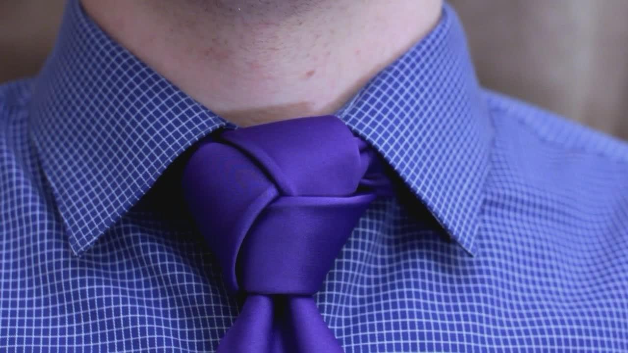 Noeud de cravate complex.