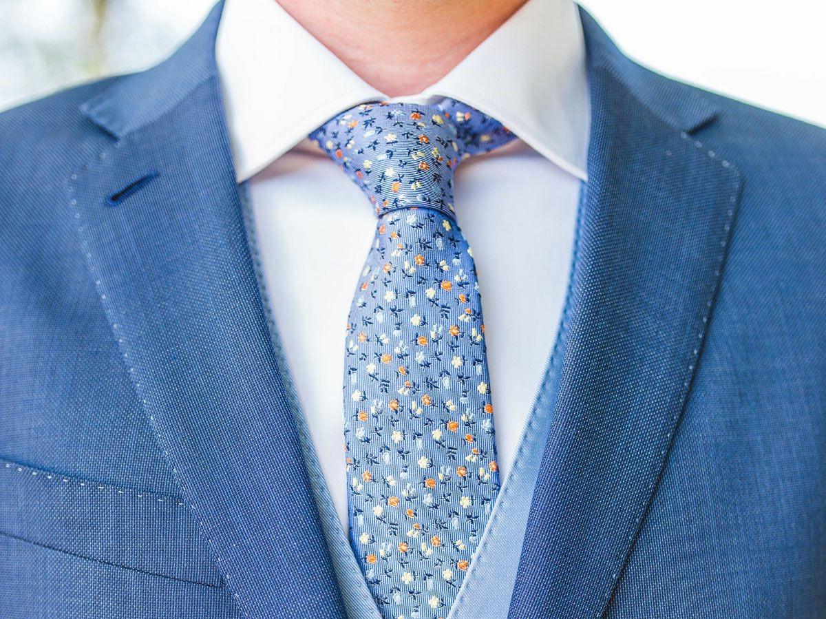 Cravate élégante.
