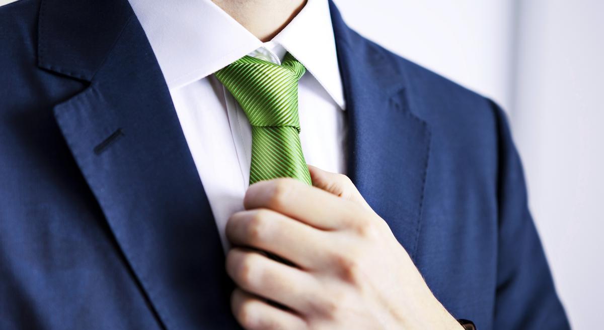 Noeud de cravate facile.