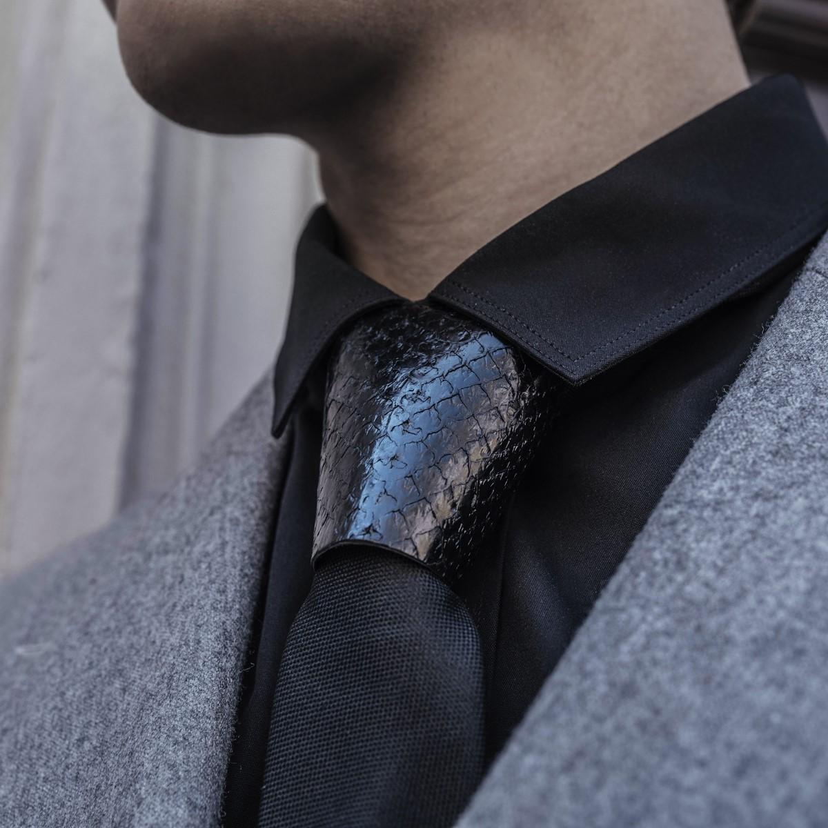 Accessoire de cravate moderne.