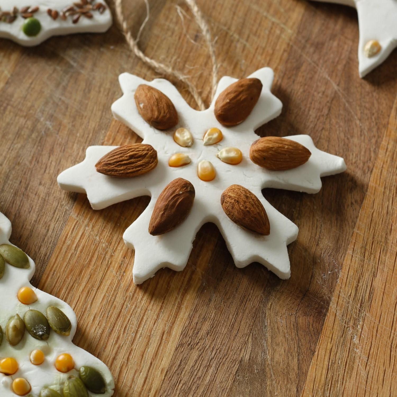 Trouvez ici des conseils utiles pour décorer les ornements de pâte à sel.