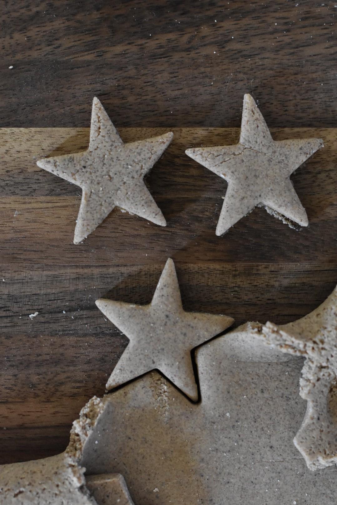 Étoiles en pâte à sel DIY.