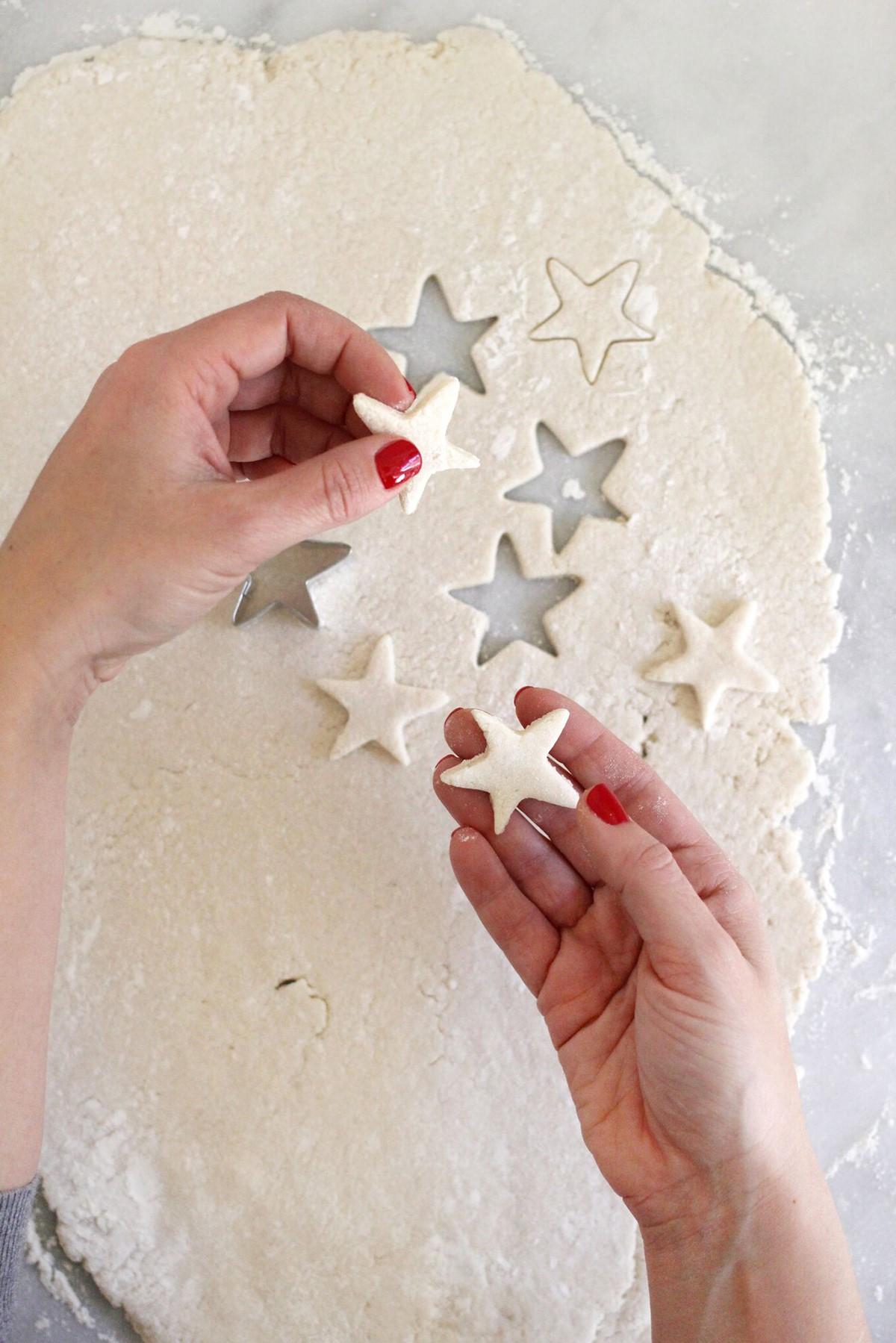Décorations en forme d'étoiles.