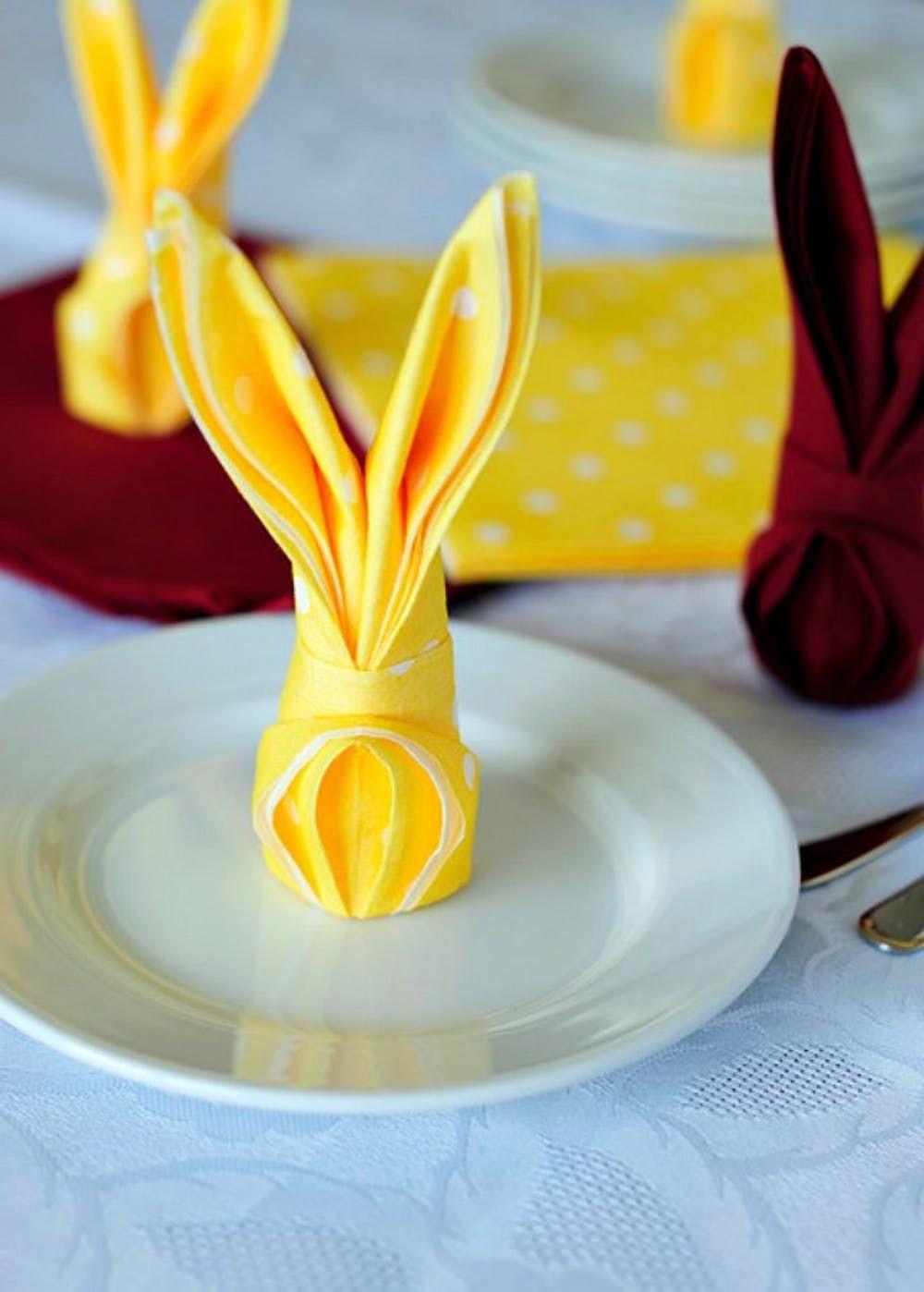 Pliage de serviette pour Pâques.