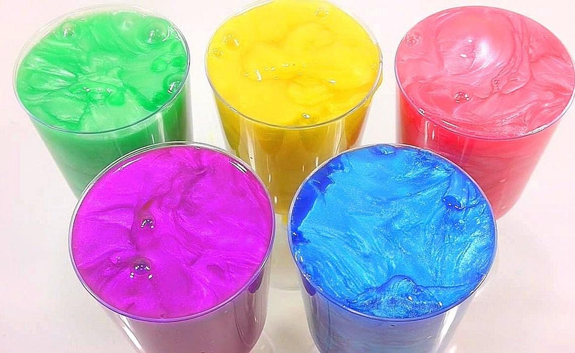 Slimes colorés.