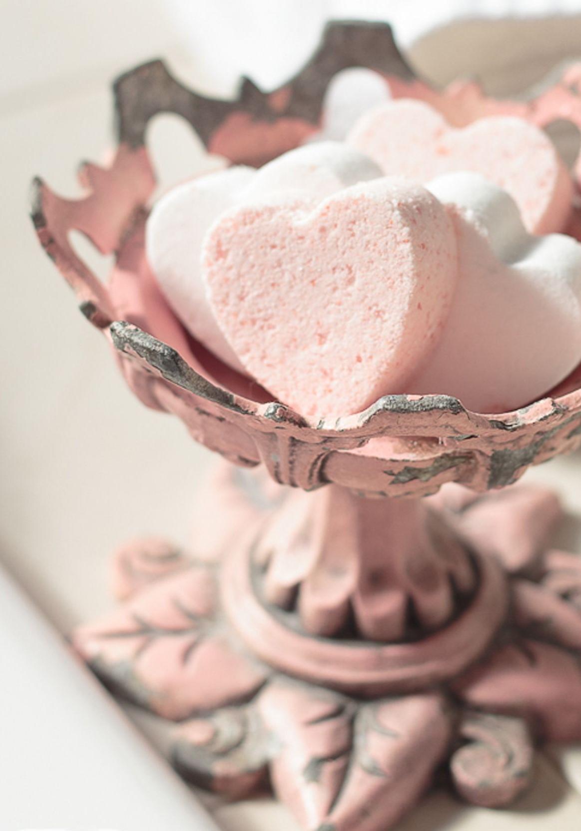 Activités de la Saint-Valentin: bombes de bain bricolage.