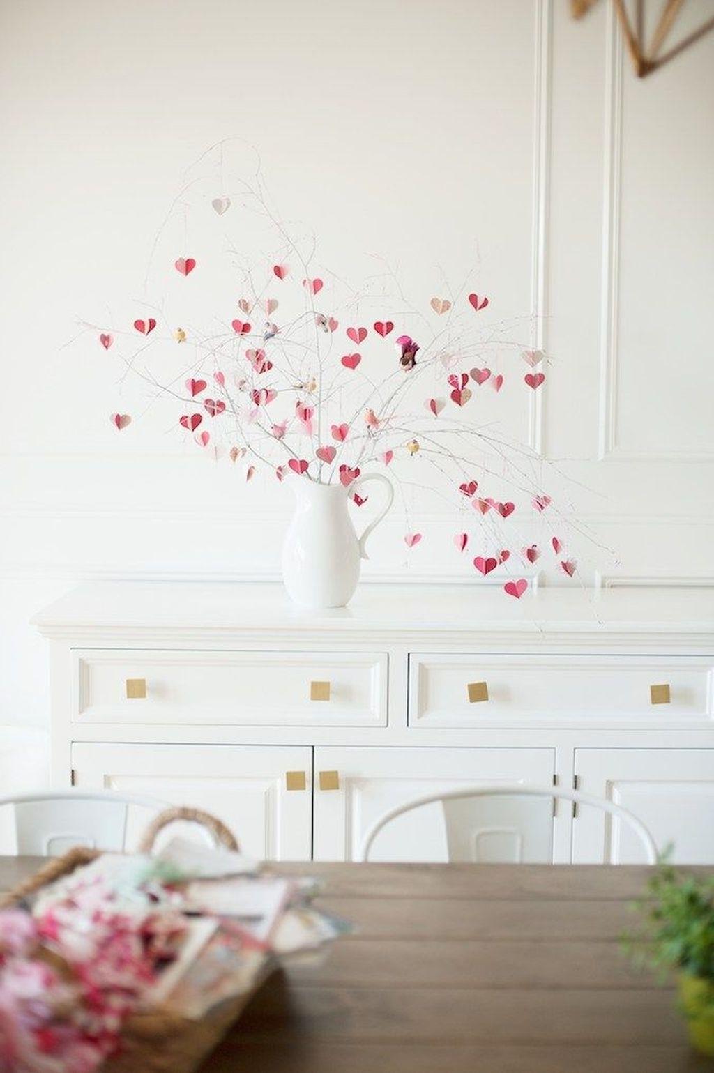 Activités de la Saint-Valentin: décoration romantique.