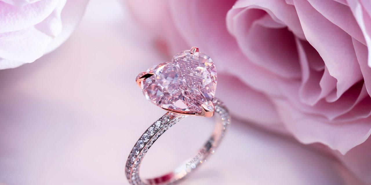 Des bijoux Saint Valentine - un bague en rose