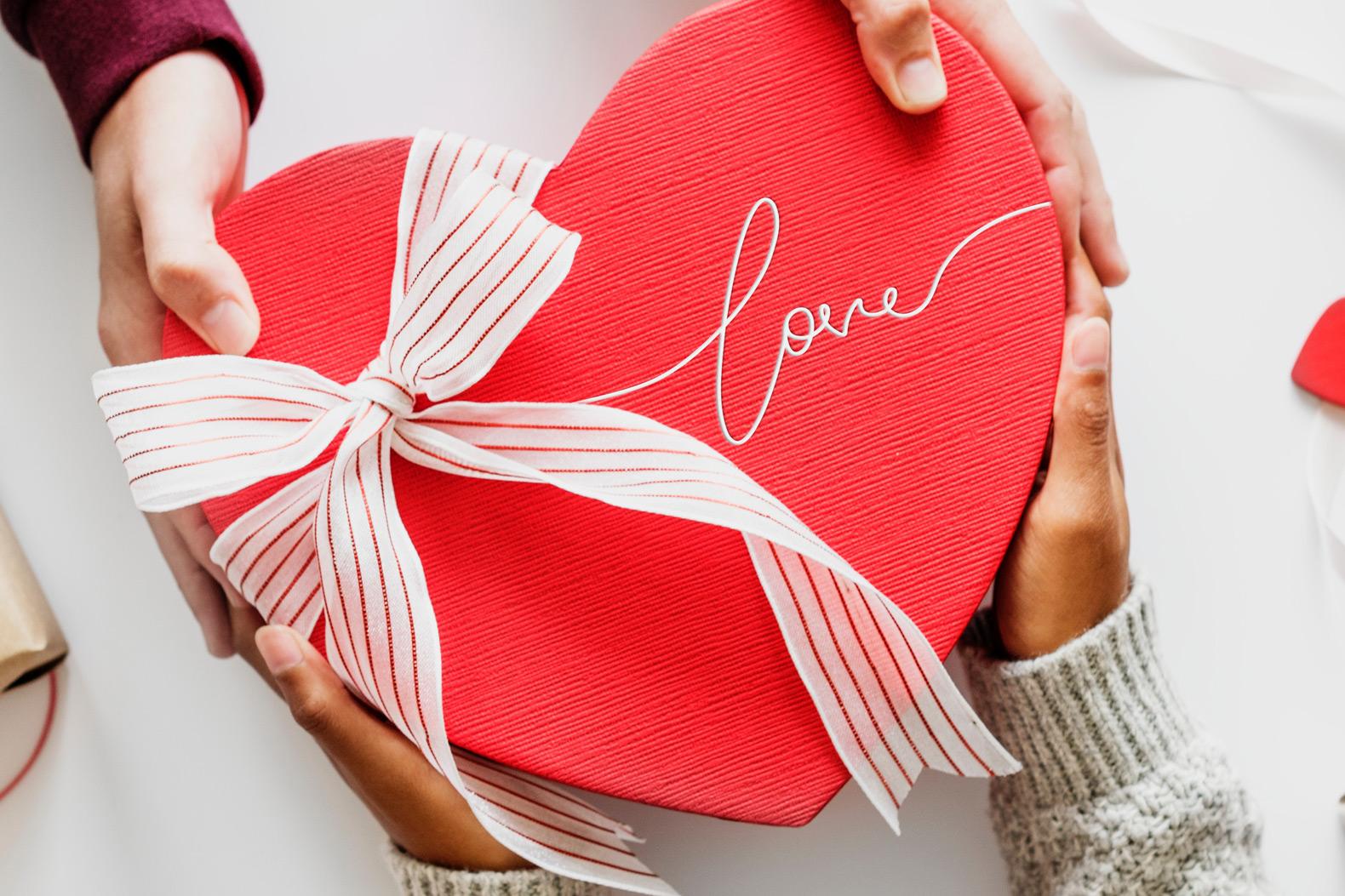 Box cadeau en forme de coeur.