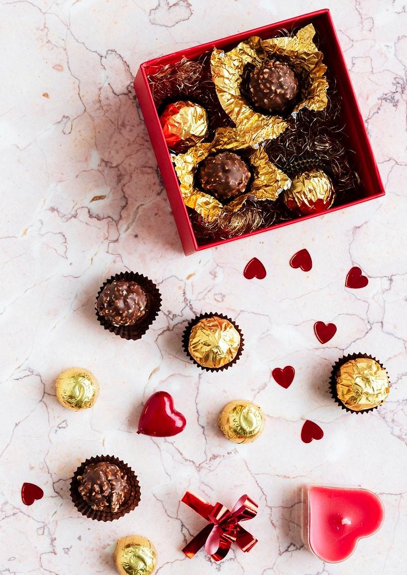 Chocolat comme cadeau pour la Saint-Valentin.