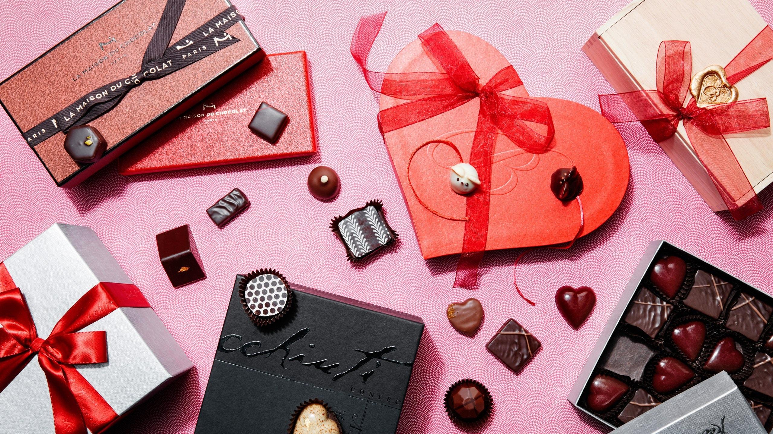 Boîte de chocolat en forme de coeur.