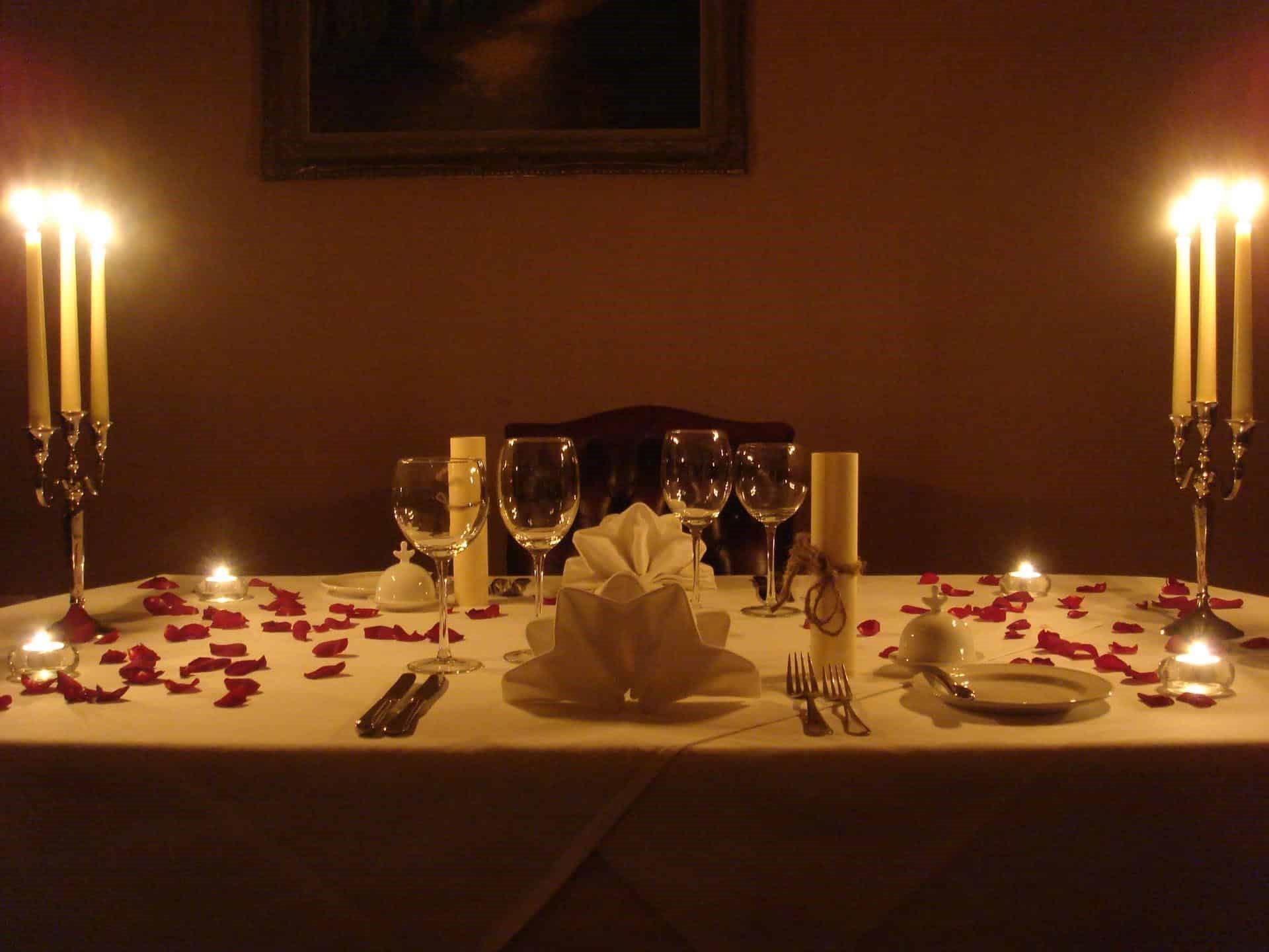 Dîner intime et romantique pour votre bien-aimé.